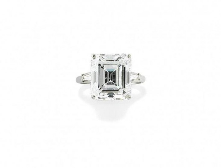 82a5fe3ef1 Diamanti, gioielli dall'Ottocento a oggi e circa 300 orologi dei marchi più  blasonati sono i protagonisti dell'asta Bolaffi ...